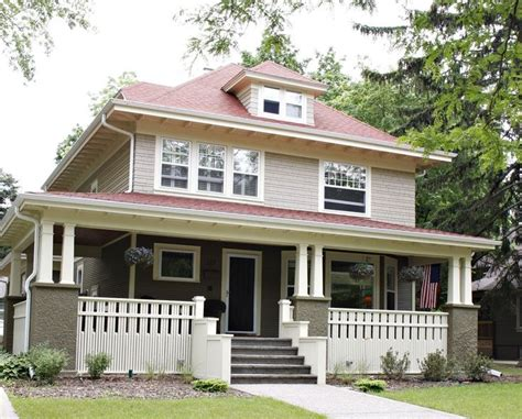 american foursquare homes with distinctive style in