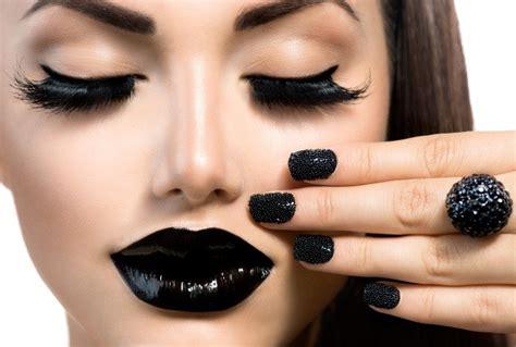 nägel schwarz matt welche sind die angesagtesten nagellack farben 2017