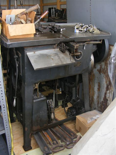 a look at the circuitousroot typefoundry and press
