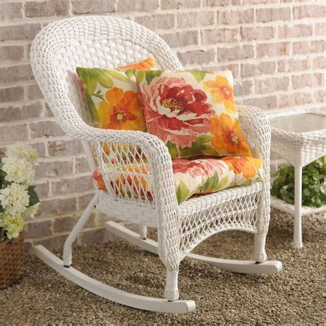 White Wicker Rocking Chair Outdoor by 25 Best Ideas About Wicker Rocking Chair On