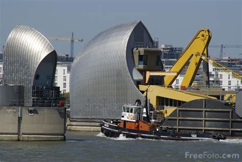 thames barrier used the thames barrier pictures free use image 31 69 3 by