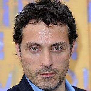 rufus sewell on stage rufus sewell bio facts family famous birthdays