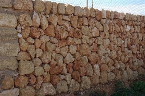pared de piedra interior pared interior piedra dise 241 os arquitect 243 nicos mimasku