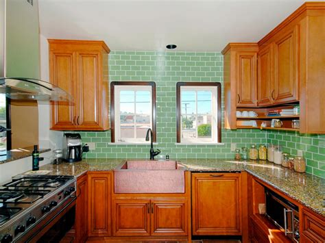 Glass Backsplash Ideas For Kitchens by Kitchen Layout Templates 6 Different Designs Hgtv