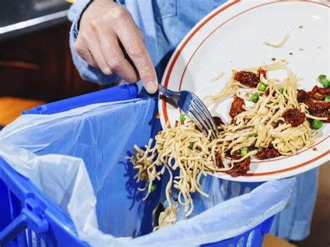 new year food throwing bag etiquette is it ok to take away leftover