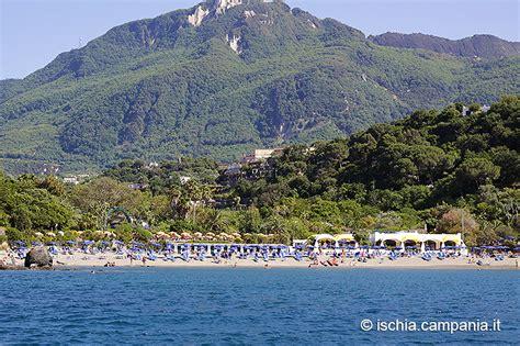 negombo ischia costo ingresso la spiaggia di san montano i tropici in mezzo al