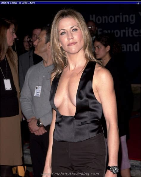 Celebrity Hot Pictures Sheryl Crow Showing Her Sexy Body Picture