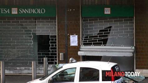 banca di legnano garbagnate milanese rapina banca a rapinata con spaccata san paolo