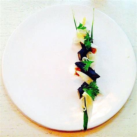 cuisiner le c駘eri en branche l de pr 233 senter les plats m 233 lange de gastronomie et design