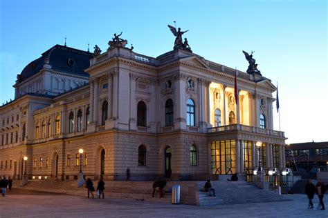 File:Opera House Zurich, Switzerland   Wikimedia Commons