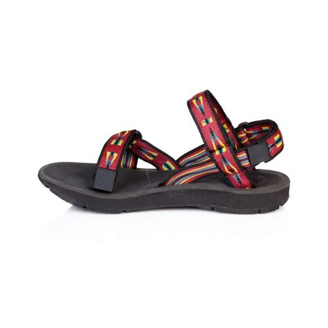 mens outdoor sandals mens outdoor sandal www imgkid the image kid has it