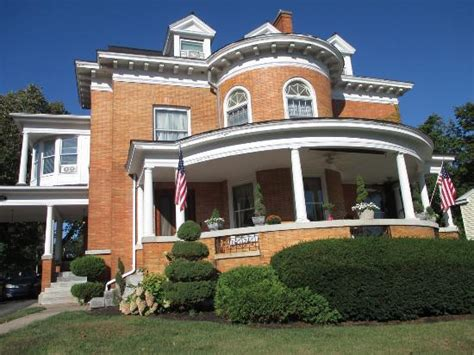 bed and breakfast syracuse ny wc lipe mansion bed and breakfast 114 summit ave in