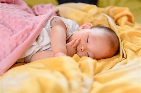Obat Tetes Telinga Yang Aman Untuk Bayi Memilah Obat Nyamuk Yang Aman Untuk Bayi Alodokter