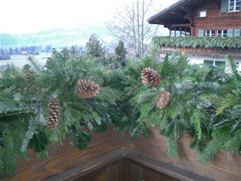 Winterdeko Balkon by Floristik Www Zingreen Ch