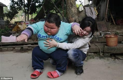 Fat Chinese Baby Meme - lu hao day in the life of 4 year old toddler who weighs 9