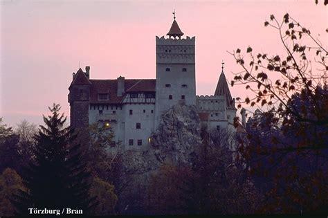 bran castle castles photo 510805 fanpop bran castle romania photo 16549017 fanpop