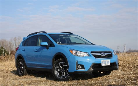 subaru crosstrek lifted blue the hyper blue paint is now offered on the 2016 subaru