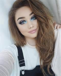 Is this beauty vlogger sabrina carpenter s lookalike 2 twist