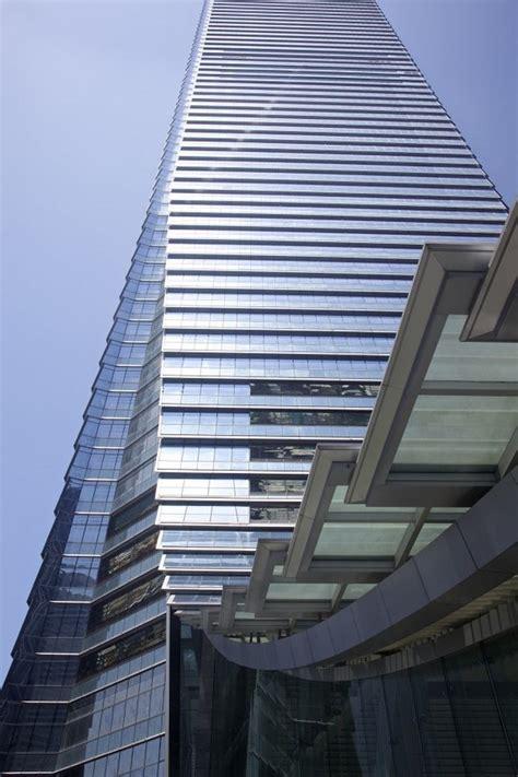 curtain city hong kong wordlesstech ritz carlton world s highest hotel opens