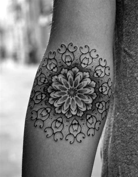40 cute and artsy snowflake tattoos bored art