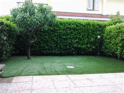 tappeto verde sintetico foto prato sintetico di verde fiorito 210923 habitissimo
