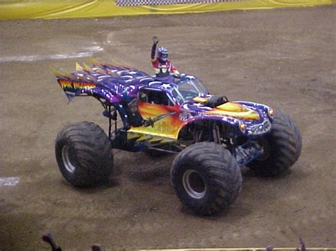 monster truck show cincinnati cincinnati ohio monster jam march 19 2005