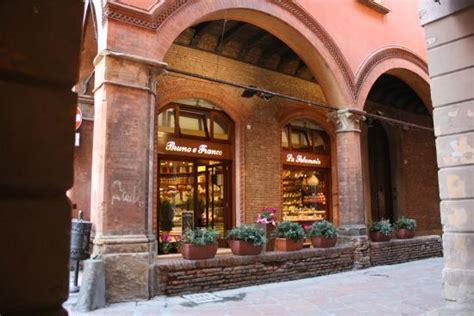 libreria oberdan caffe terzi attivit 224 nelle vicinanze di bologna