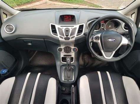 Jual Ford S 1 6 2011 ford hatchback 1 6 s at 2011 mobilbekas