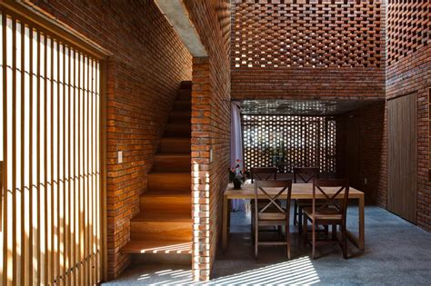 creative brick house controls  interior climate   amazing
