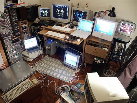 computer desks for geeks desk shush at work lol sacha quester