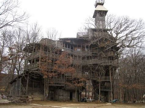 world s biggest tree house world s largest tallest tree house wow amazing