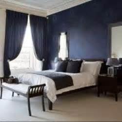 And blue accent wall bedroom under navy blue vs royal blue color
