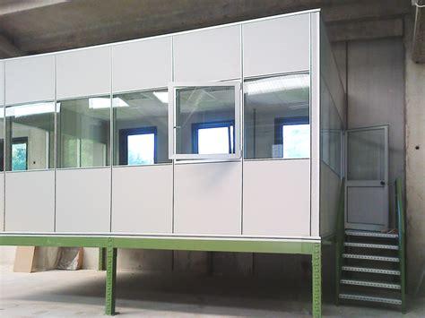 mobili in ferro per ufficio scala per accesso soppalco per ufficio con pareti vetrate