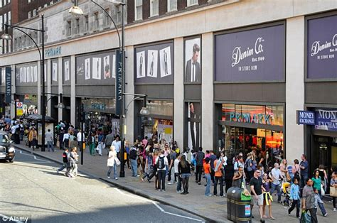 Primark To Hit Oxford by Primark S Success Continues As Bargain High