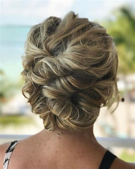 Very elegant Prom Hairstyles for 2018   Styles 2d