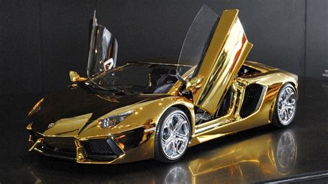 gold lamborghini wallpaper lamborghini gold wallpaper 1280x720 41279