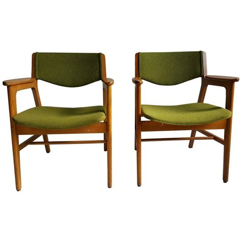 Gunlocke Chairs by Classic Mid Century Modern Armchairs Manufactured By W H Gunlocke Chair Co For Sale At 1stdibs