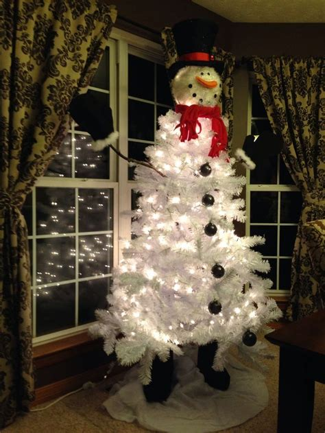 christmas tree decorated with snowmen best 25 snowman tree ideas on snowman decorations mesh tree