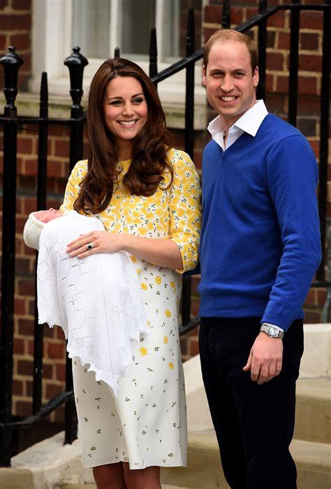 kate and william księżna catherine kate i william pokazali swoją c 243 reczkę