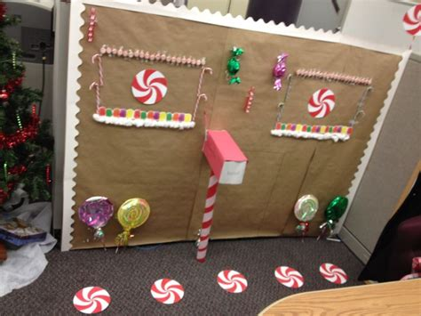 decorating your cubicle for christmas 166 best cubicle christmas office decorating contest