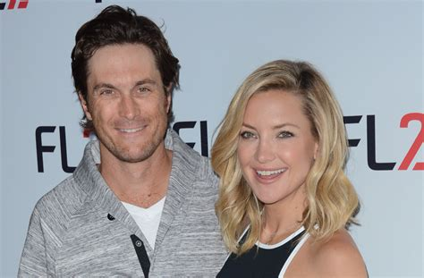 oliver hudson father oliver hudson reconnects with his estranged dad after 12