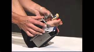how to fix hammer toes at home how to wear the hammer toe dynasplint 174
