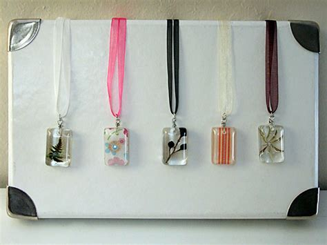 how to make resin jewelry 2010 c craft no 5 resin pendant necklaces crafty nest