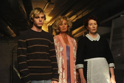 horror series 1 american horror story season 1 dvd review scifinow the