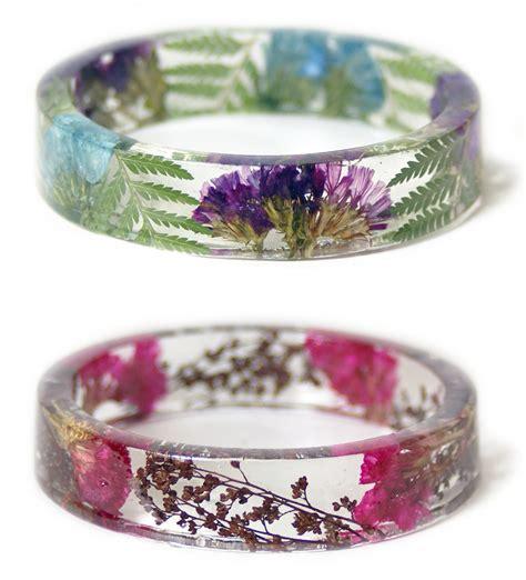 bracciali con fiori bracciali con fiori veri affogati in resina trasparente