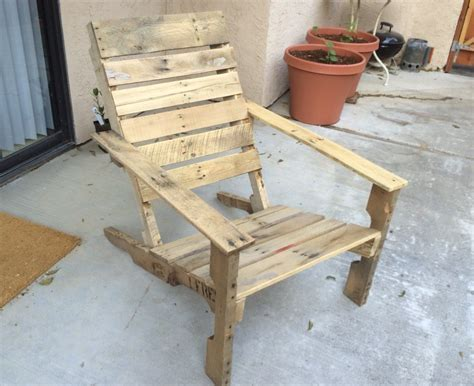 Pallet Patio Chair Wooden Pallet Patio Chairs Make