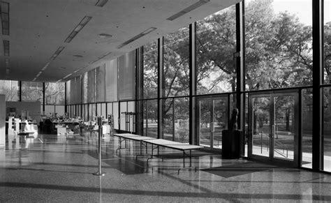 Mies Vandero Chair by Mies Der Rohe Crown Illinois Institute Of