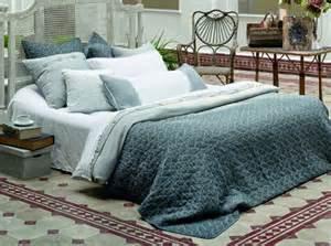 linge de lit destockage quels linges de maison choisir pour d 233 corer le lit le
