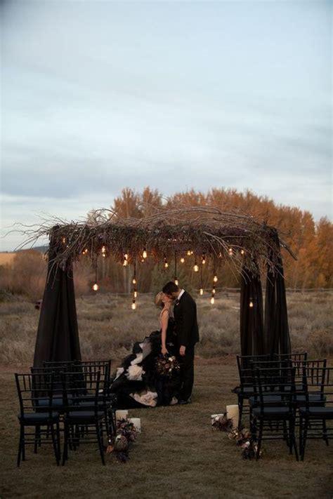 elegant  spooky halloween wedding ideas gothic