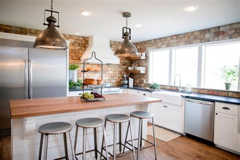 Cing Kitchens With Sinks 10 Fixer Modern Farmhouse White Kitchen Ideas Kristen Hewitt